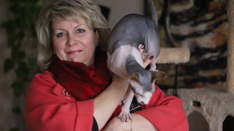 Svea-Ingeborg Svensson uppfostrar sin son som en katt