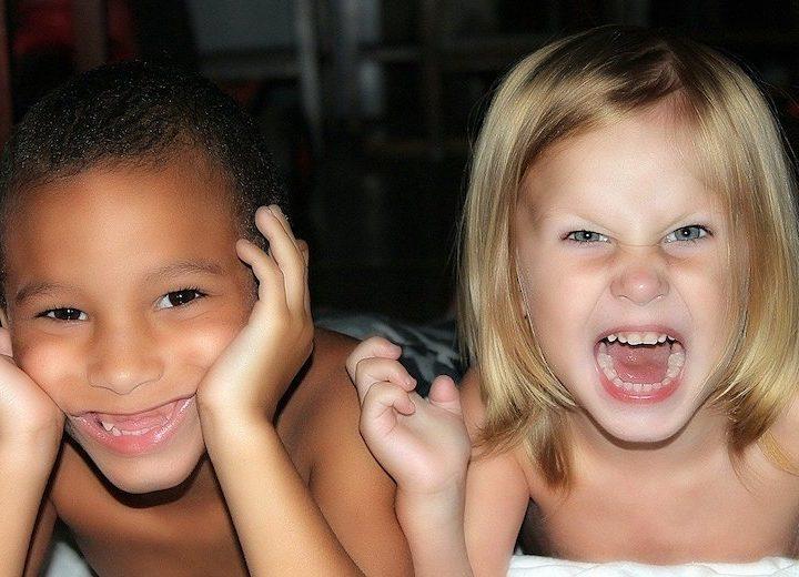 Vad är det för skillnad på barn och handgranater?